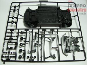 A Fujimi deixou todas as peças referentes a mecânica, suspensões e chassis nesta única árvore. O chassis poderia ser mais detalhado.