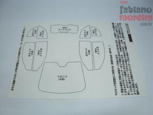 A última moda dos fabricantes de kits é não incluir as máscaras para pintura das transparências dos vidros. A Fujimi resolveu colocar pelo menos os moldes.