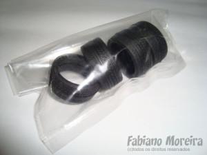 Os pneus são confeccionados em borracha de ótima qualidade.