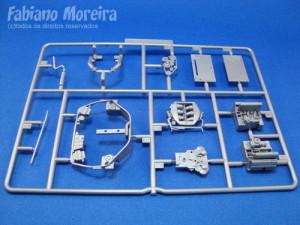 Aqui peças do motor, uma raridade nos kits de hoje.