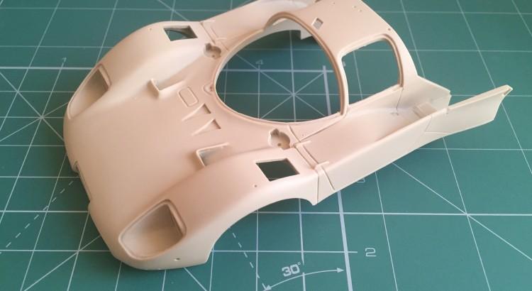 Peça principal da carroceria. Aqui nota-se outra diferença gritante dos kits da Hiro para outros fabricantes de kits em resina. A carroceria é muito bem injetada, com excelente acabamento.